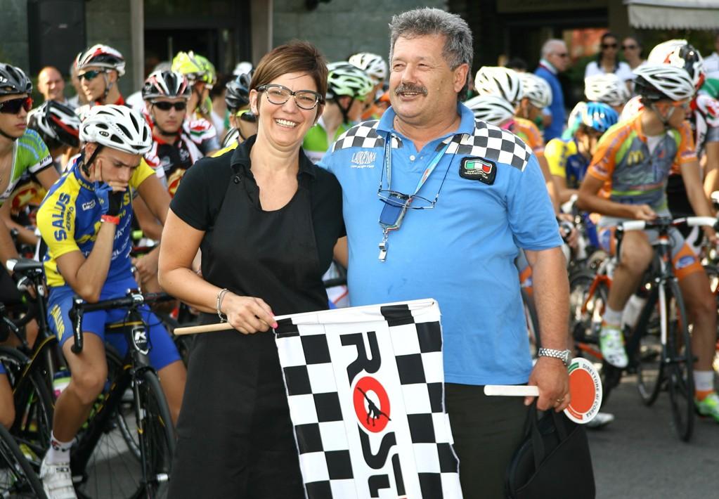 Raffaello Vigano^ con la Starter della corsa (Foto Berry)