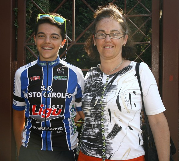 Aurora Mantovani a Bareggio con la mamma (Foto Berry)