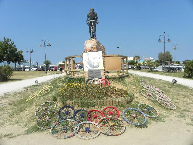 Monumento a Marco Pantani (Foto Nastasi)