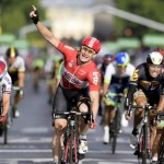 Greipel vince ultima tappa a Parigi