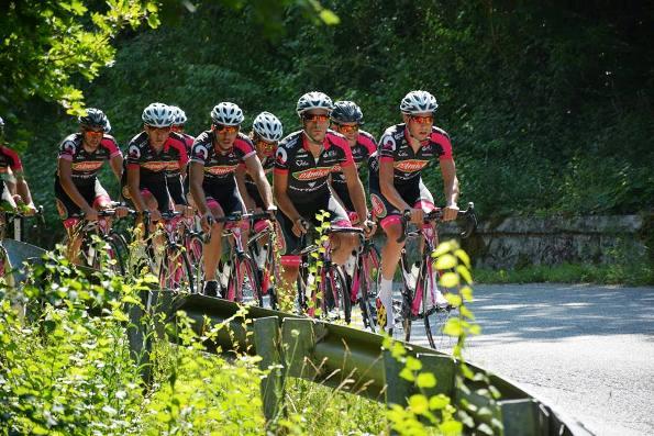 Preparazione per la Vuelta a Colombia dal 2 al 15 agosto 2015