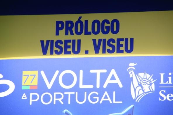 Striscione prologo Viseu (Foto JC Faucher)