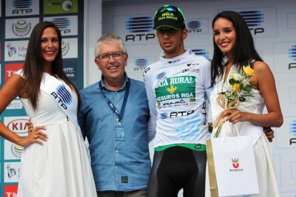 Hector Saez Benito nuova maglia bianca in Portogallo (Foto JC Faucher)