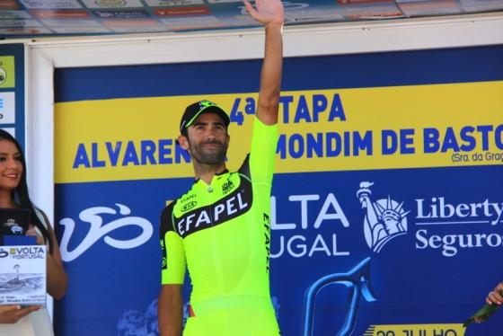 Cardoso sul podio vincitore 4^ tappa (Foto Jean Claude Faucher)