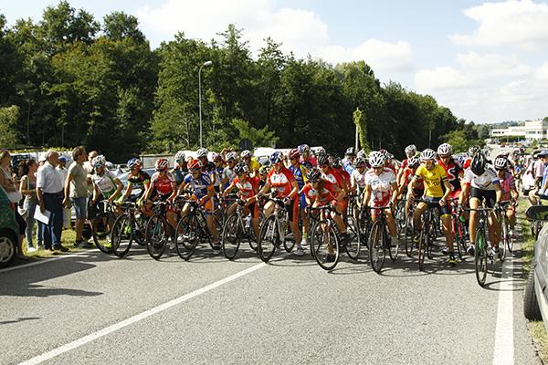Partenza gara Esordienti 2^ anno a Villaguardia (Foto Kia Castelli)
