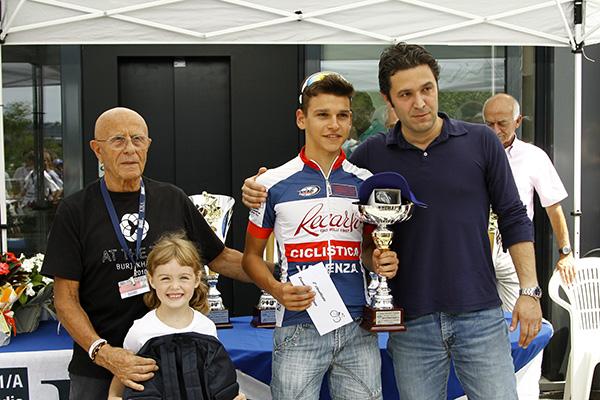 Premiazione Stefano Rizza, 2^ classificato (Foto Kia Castelli)