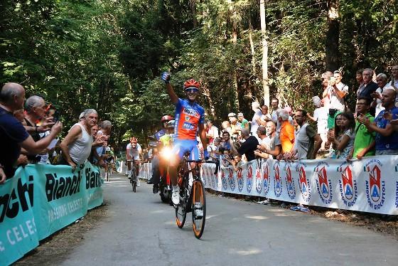 Michele Gazzara vince a Briga Novarese (Foto Pisoni)