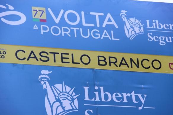 Striscione arrivo a Castelo Branco (Foto JC Faucher)