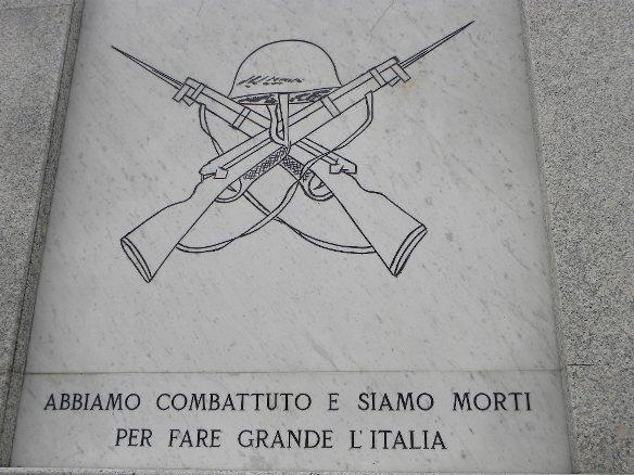 08.10.13 - (Nasta) - Monumento Siamo Morti per fare grande l'Italia
