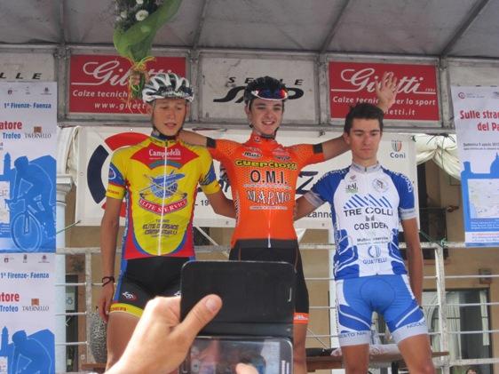 da sx Galuzzi, Savini e Covili, podio 1^ Firenze-Faenza (Foto Andrea Silvagni)