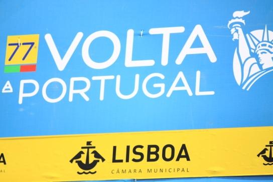 09.08.15 - Striscione arrivo a Lisbona (JCF)