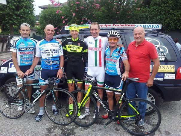 Console Fabrizio Iseni con corridori Equipe Corbettese
