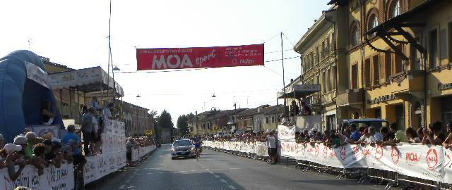 Nicolo^ Rocchi vince a Castel D'Ario (Foto Nastasi)