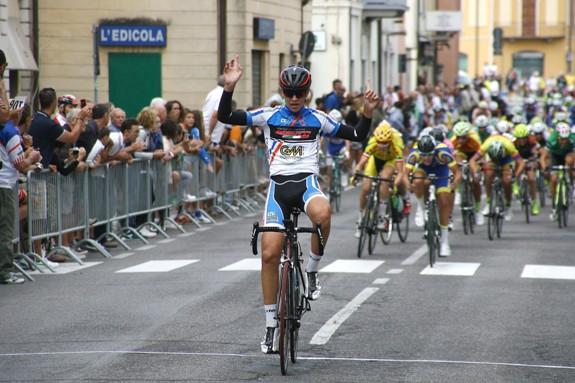 Luca Gennari vince a Soncino (Foto Berry)