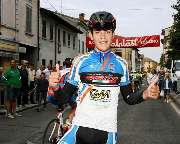 Luca Gennari felicissimo dopo l'arrivo a Soncino (Foto Berry)