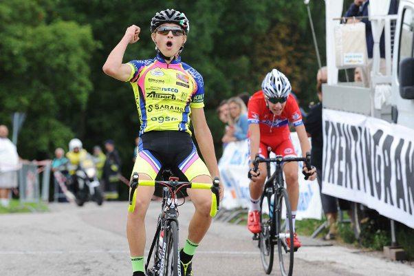 ALLIEVI 2° Trofeo VolksBank 2° Memorial Paolo Graiff all'arrivo il vincitore Carpene Samuele