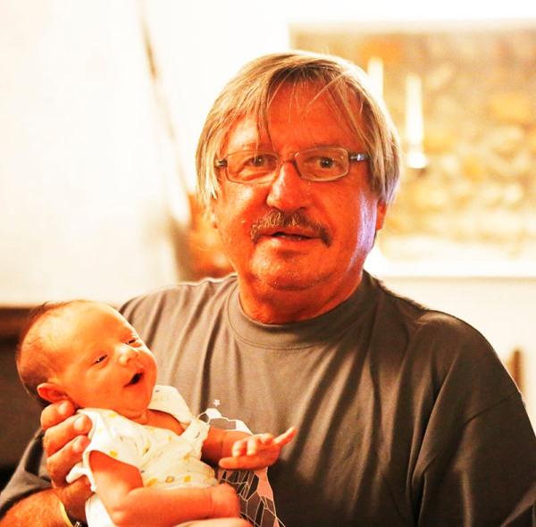 Antonio Pisoni, Autore del fotoservizio da Rovescala col nipotino Matteo