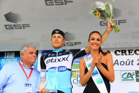 Trentin sul podio a La Greche (Foto JC Faucher)
