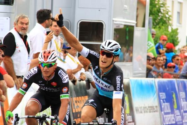Matteo Trentin vince a La Greche