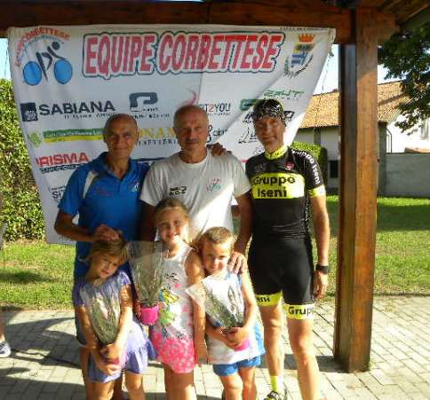 Console Iseni con Presidente Sangalli e i suoi nipotini Filippo, Giulia ed Emma (Foto Nastasi)