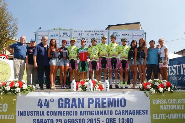 Team Palazzago Fenice col Tricolore Pacchiardo (Foto Pisoni)