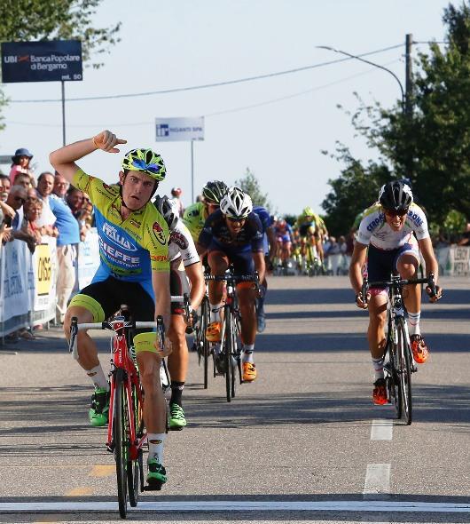 L'esultanza di Lonardo Basso al traguardo (Foto Pisoni)