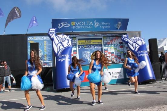 Ragazze pon-pon al seguito della 77^ Volta a Portugal en Bicicleta (Foto Jean Claude Faucher)