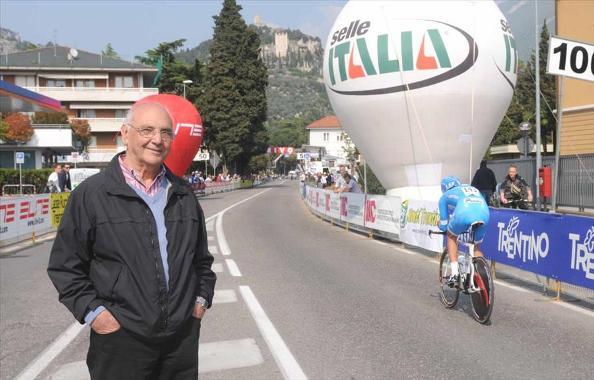 Nerino Joppi ad Arco ultimi 200 metri della crono apertura Giro Trentino (Foto Bettini)