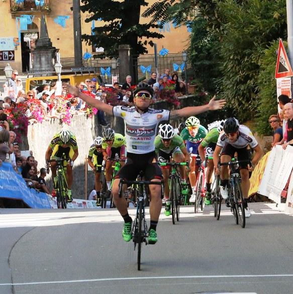 Consonni a braccia aperte a Castelletto Cervo (Foto Pisoni)
