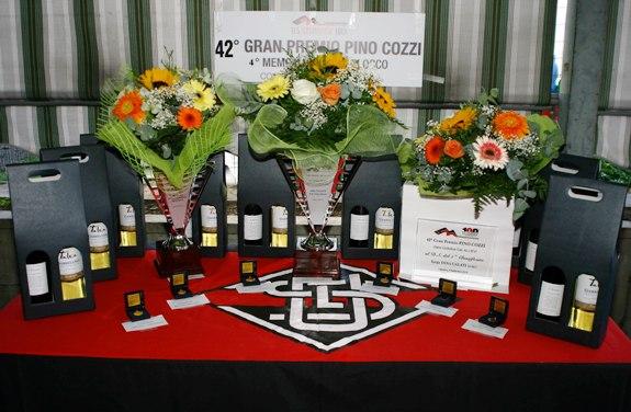 Tavolo con i premi (Foto Berry)