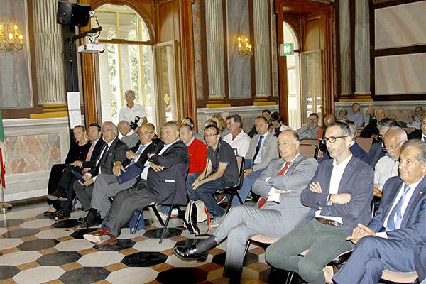 Pubblico in sala presentazione (Foto Kia)