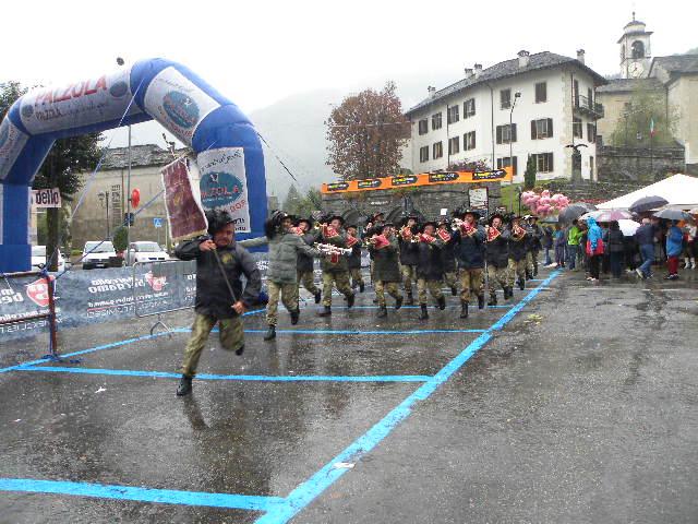 Fanfara Bersaglieri a passo di corsa (Foto Nastasi)