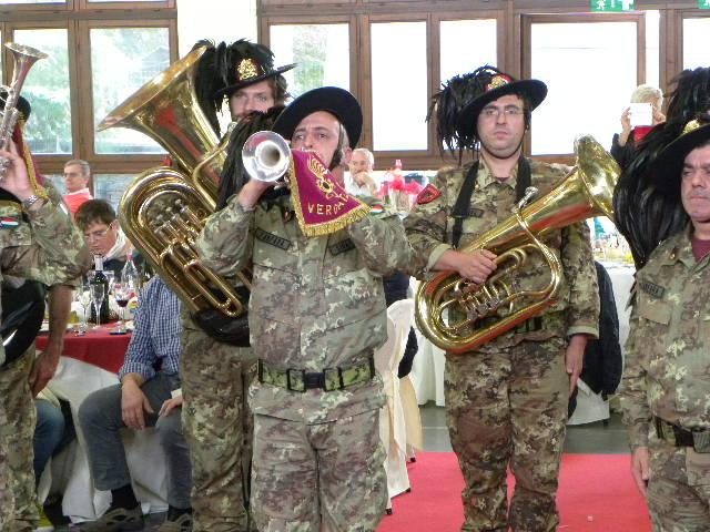 Tromba solista suona il Silenzio fuori ordinanza (Foto Nastasi)