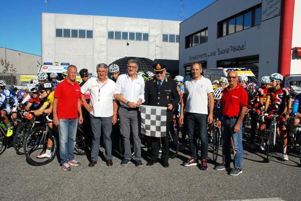 Da sx, Santangelo, Boschini, Pezzotta, Comandante Lotito ed altri (Foto Carlo Vaj)