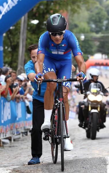 Martinelli riparte dopo il guasto meccanico (Foto Rodella)