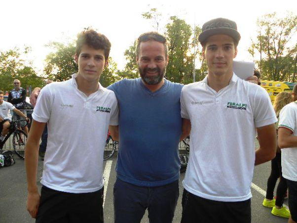 Andrea a sx e Nicola Cesaro col padre Massimo vittima di un incidente stradale (Foto Nastasi)