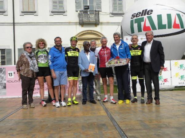 Al centro, Dr. Victor Ouloupohi, Commisario Generale del Padiglione della Costa D'Avorio ad Exo Milano 2015 (Foto Nastasi)