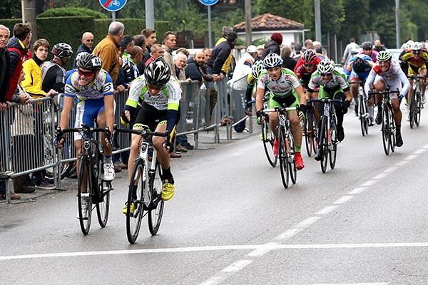 Davide Ferrari vince volata per il quarto posto (Foto Kia)
