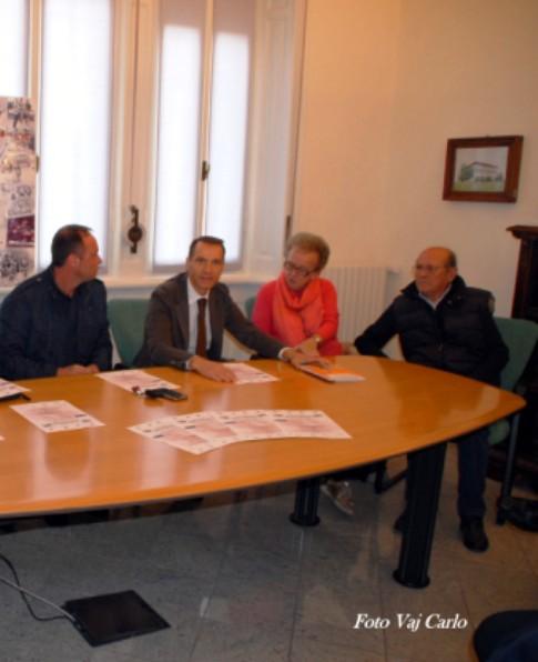 Da sx, Assessore Passuello, Dr. Iseni, Maria Rosa Panizza e Luciano Cagnola Presidente SC Cassanese (Foto Carlo Vaj)