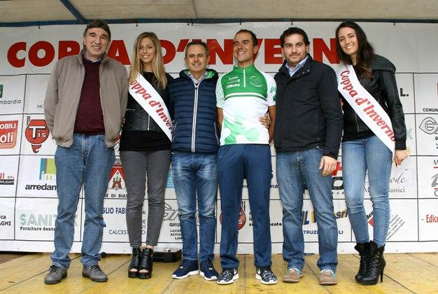Premiazione di Marzoli nelle vesti di Campione Regionale Elite  Marzoli premiato sul podio. (Foto Berry)