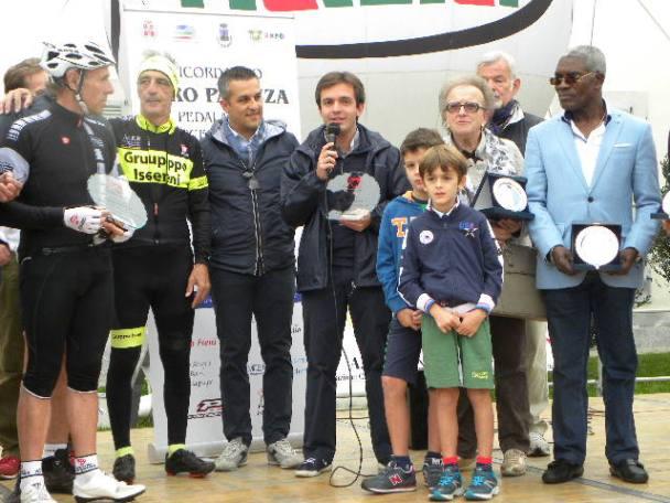 Don Andrea saluta i presenti - Parco Villa Oliva 27.10.2015