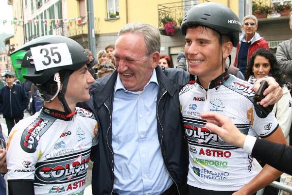 Beppe Colleoni e due corridori (Rodella)