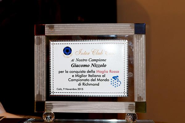 Targa per Giacomo Nizzolo (Foto Kia Castelli)