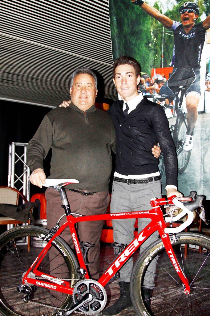 Nizzolo qui con D'Aprile, presidente Giovani Giussanesi (Foto Kia Castelli)
