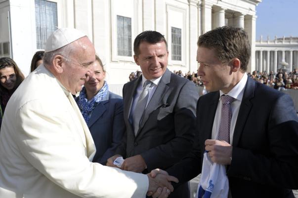 Sua Santita^ Papa Francesco con i Rappresentanti del Team Ciclistico Novo Nordisk-Changing Diabetes