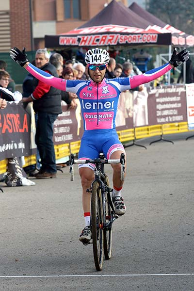 Emilio Caroni vincitore tra gli over 45 (Foto Kia Castelli)