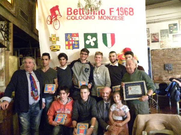 Juniores col Presidente Russomanno e il DS Tino Conca a destra (Foto Nastasi)