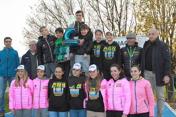 Scuola Ciclismo Cadrezzate-Guerciotti, Squadra 1° classificata a Costamasnaga (Foto Kia Castelli)