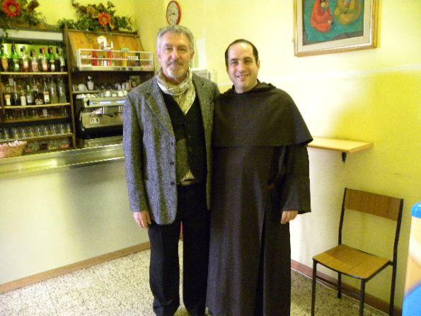 Padre Luca con Alessandro Troni (Foto Nastasi)