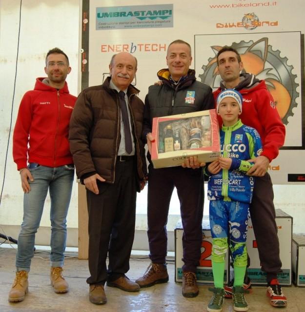 Premiazione della Squadra Cucco Bike per il maggior numero di partecipanti